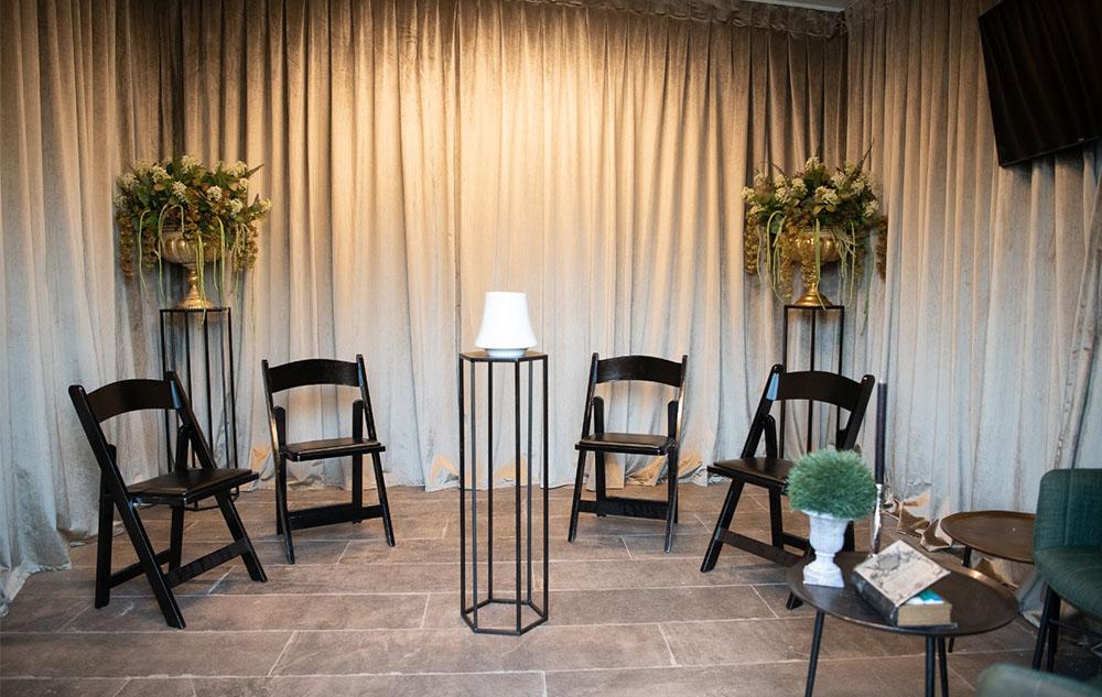 חדר פרידה לטקס הלוויה